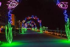 Norfolk Botanical Gardens Christmas Lights Hours 4 Ways To Enjoy Holiday Lights In Norfolk And Virginia