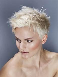 kurzhaarfrisuren damen blond bilder spiky blond hairstyle hairstyles hair