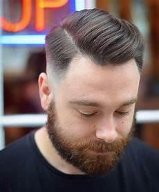 kurzhaarfrisuren männer business seite teil combover herren haarschnitt hairstyles