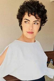 kurzhaarfrisuren krauses haar 25 chic curly hairstyles hairstyles 2017