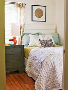 Small Bedroom Ideas Modern Furniture 2014 Tips For Small Bedrooms Decorating