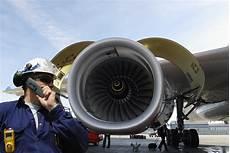 Aircraft Technician Aircraft Maintenance Technicians Job Salary And School