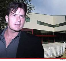 Viewpoint School Calabasas Charlie Sheen School Digs In For War
