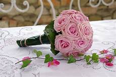 buket matrimonio how to hold on to your wedding bouquet by preserving it
