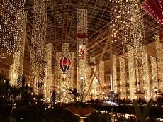 Darden Tn Christmas Lights Famous Holiday Light Displays Across The U S Hotpads Blog