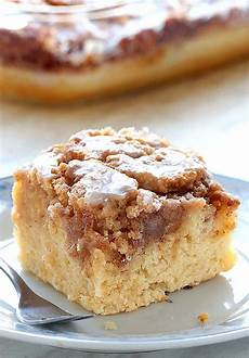 easy cinnamon roll coffee cake cakescottage easy cinnamon roll coffee cake recipe cakescottage