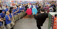 Walmart Asset Protection Shoppers Up Early For Walmart Opening Local