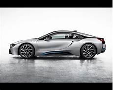 bmw i8 plug in hybrid sports car 2013