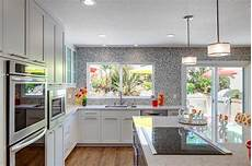 decoration ideas for kitchen walls 10 decorating ideas for a gray kitchen walls czytamwwannie s
