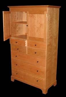 7 drawer cherry dresser with cabinet knobs