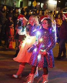 Flagstaff Light Parade Flagstaff Holiday Lights Parade Azdailysun Com