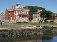 Salem Massachusetts Tourism File Custom House Salem Massachusetts Jpg Wikimedia
