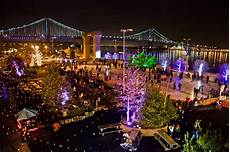 Blue Cross Riverrink Tree Lighting Weekend Picks Holiday Lights Penn S Landing Winterfest