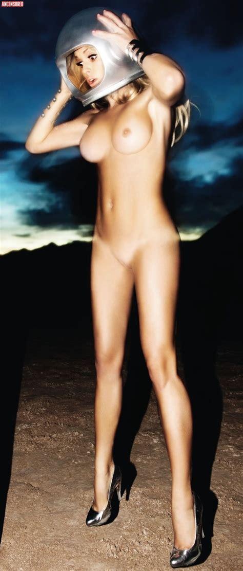 Kourtney Kardashian Nude Uncensored