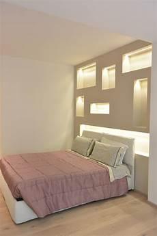 controsoffitti da letto la da letto nicchie in cartongesso con led