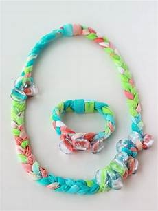 fabric crafts jewelry tutorial tie dyed fabric jewelry dollar store crafts