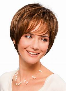 kurzhaarfrisuren frauen braune haare brown boy cut hair wigs