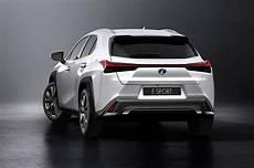 2019 lexus ux hybrid 2019 lexus ux look motor trend