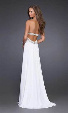 popularity rises of white prom dresses