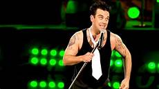 robbie williams supreme robbie williams supreme live at knebworth