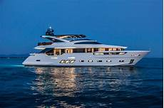 new dreamline yacht 26m has innovation throughout