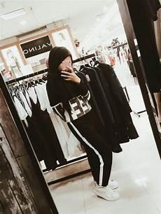 wanita vsco inspiration for fashion mirror selfie