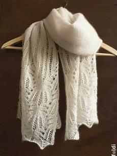 foldi flower lace shawl free machine knitting pattern