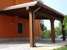 tettoia addossata tettoia addossata a parete in legno lamellare