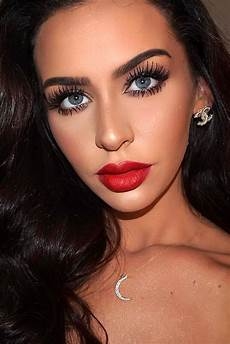 prom makeup as special accent for prom dress ǀ