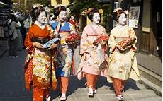 traditional dress around the world traditional clothing