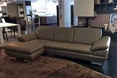 divani outlet divano outlet calia divani a prezzi scontati