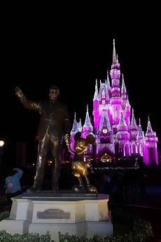 Disney World Christmas Lights Dates A Frozen Holiday Wish Castle Lighting To Return For 2018