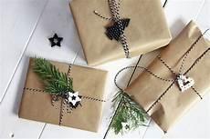 weihnachtsgeschenke ideen weihnachtsgeschenke verpacken ideen packpapier lavendelblog