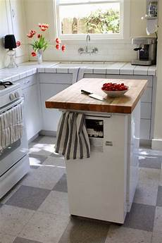 mobile kitchen island with seating 5 inexpensive ways to make your small kitchen more functional