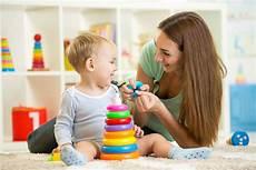 A Babysitter Comment Devenir Baby Sitter Garder Des Enfants Fiche