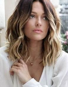 frisuren mittellang dünnes haar bilder die besten 25 frisuren mittellang gestuft ideen auf