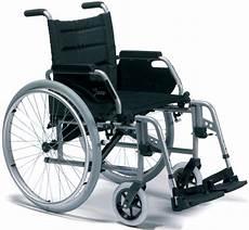 sedia a rotelle pieghevole prezzi sedia a rotelle carrozzina pieghevole leggera ad