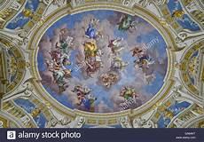 fresco techo techo fresco uno de los siete en biblioteca de