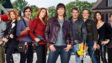 Trading Places Tv Show Trading Spaces Season 10 Tlc Renews Home Makeover Tv