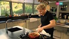 cucina con gordon ramsay cucina con ramsay 45 salsiccia piccante e riso
