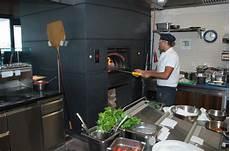 Pizzaofen Werkzeug by Pizza 246 Fen Gastronomie Pizzaofenbau Und Baus 228 Tze Hirsiger
