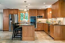 2018 Kitchen Cabinet Designs 5 Kitchen Cabinet Color Trends Of 2018 Interior Design