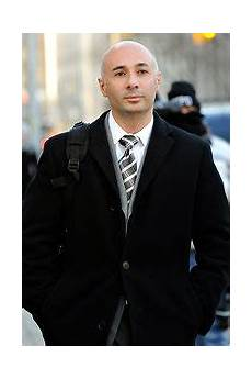 Walter Shimoon Executive Pleads Guilty To Leaking Apple Secrets The New