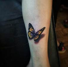 tatuaggio fiore e farfalla 35 breathtaking butterfly designs for