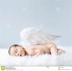 baby engel neugeborenes baby als engel stockbild bild m 228 dchen