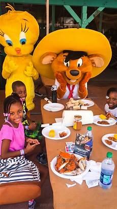 Six Flags Characters Six Flags America New Splash Water Falls Amp Crab Feast Fun