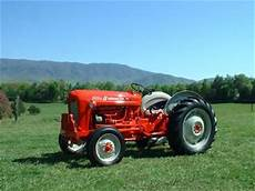 Antique Tractors 1961 601 Workmaster Picture