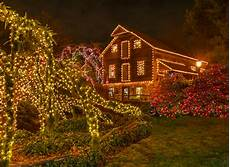 Holiday Light Show Bucks County Pa Peddler S Village Holiday Lights Now Illuminated