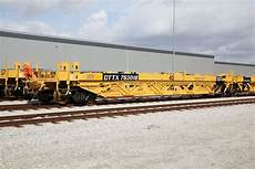 ttx railroad freightcar america receives first ttx intermodal order