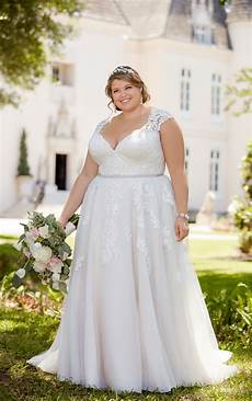 romantic lace plus size wedding dress with cameo back